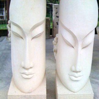 Statues de pierre